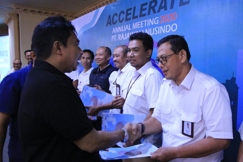 Restrukturisasi Organisasi, Rajawali Nusindo Perkuat Formasi Top & Middle Management