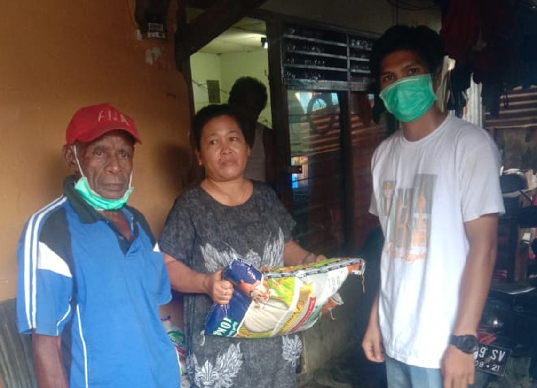 Dampak Corona, Cabang Sorong Berikan Bantuan Pada Warga Sekitar