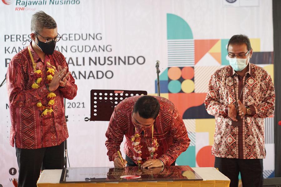 Perkuat Bisnis Distribusi dan Trading, Rajawali Nusindo Resmikan Kantor dan Gudang Baru di Manado